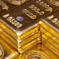 gold-prices-dropped-to-hit-a-year-low-in-india